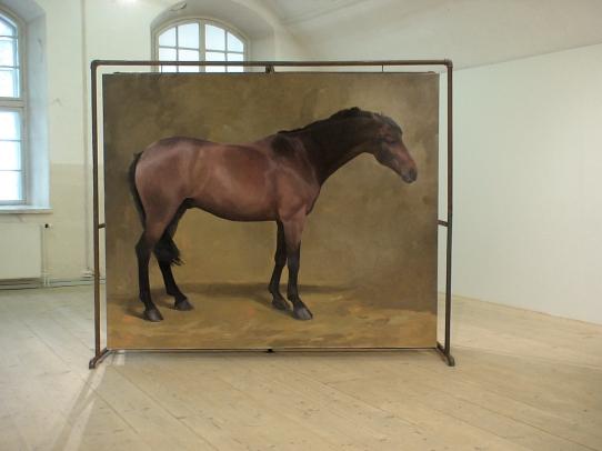 Hevonen nro 1: Öljyvärimaalaus ja metalliteline/ Häst nr 1: Oljemålning och metallställning
