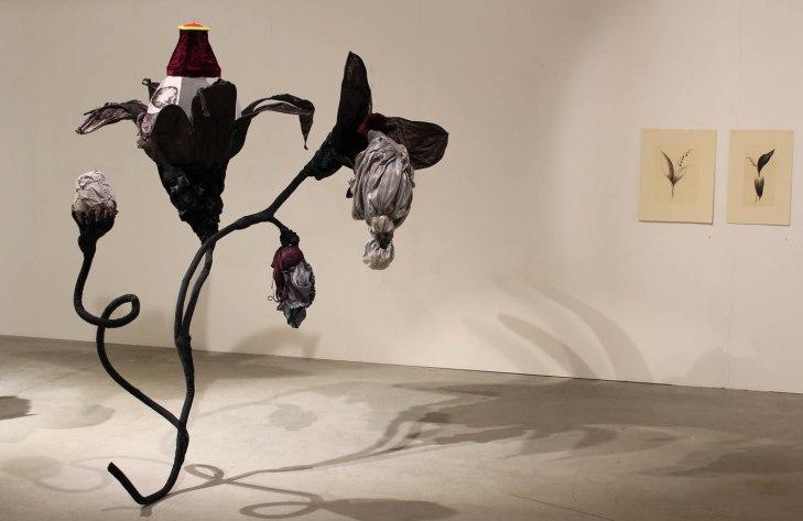 Nocturna tempora: tekstiiliveistos/ textilskulptur